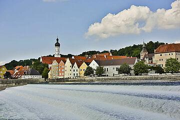 Lechwehr und Uferpromenade / Bild: Stadt Landsberg am Lech
